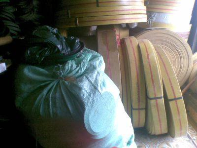 băng tải gầu màu vàng (14)