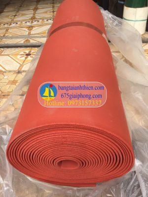 tấm silicone màu đỏ xốp chịu nhiệt (3)